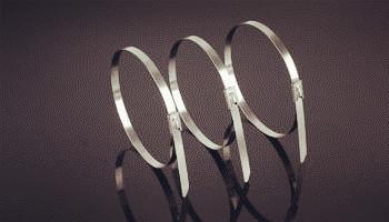 为什么包塑不锈钢扎带的寿命长?